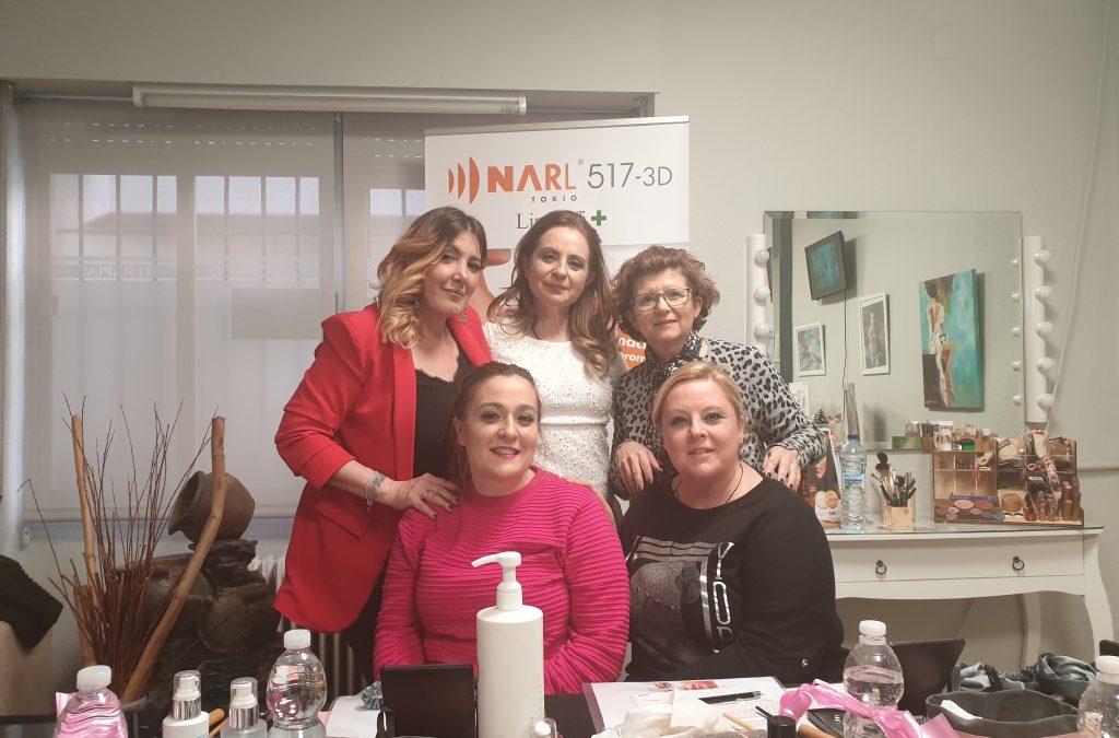 Taller de auto-maquillaje en el centro de Lidia Avendaño